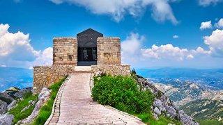 Voyage Famille mausolee njegos - circuits sur mesure Montenegro