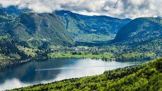 Alpes juliennes Lac de Bohinj - vacances actives sur mesure Slovénie Europe