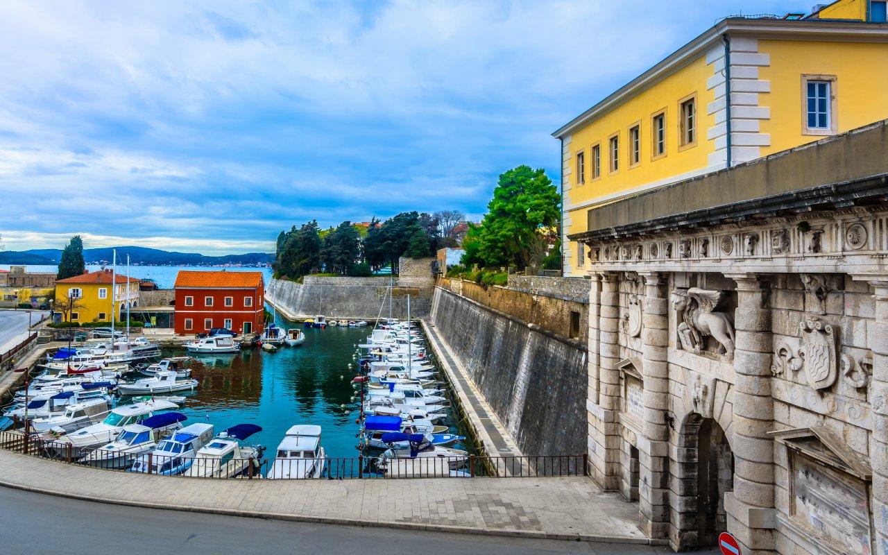 Le port de Fosa à Zadar en Croatie