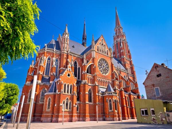 Osijek cathedrale - vacances sur mesure croatie europe
