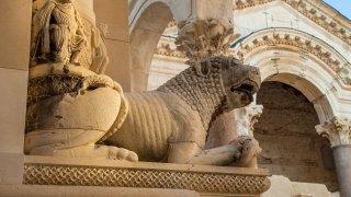 Le Péristyle dans le Palais de Dioclétien à Split