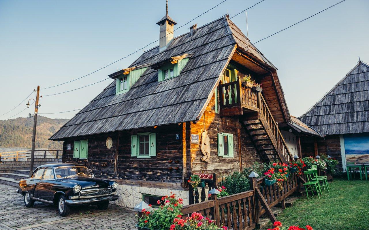 Maison en bois Drvengrad - Emir Kusturica