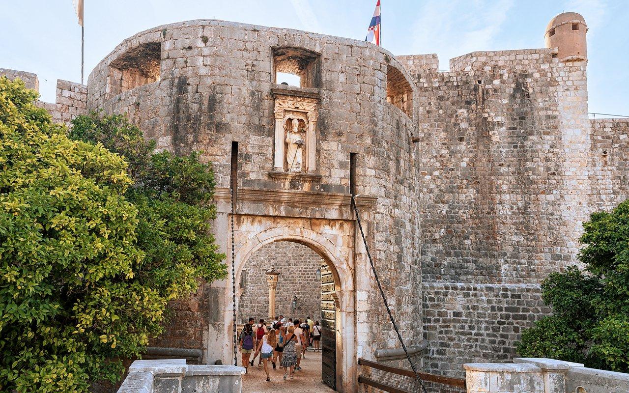 Porte Pile, l'entrée de la vieille ville de Dubrovnik en croatie
