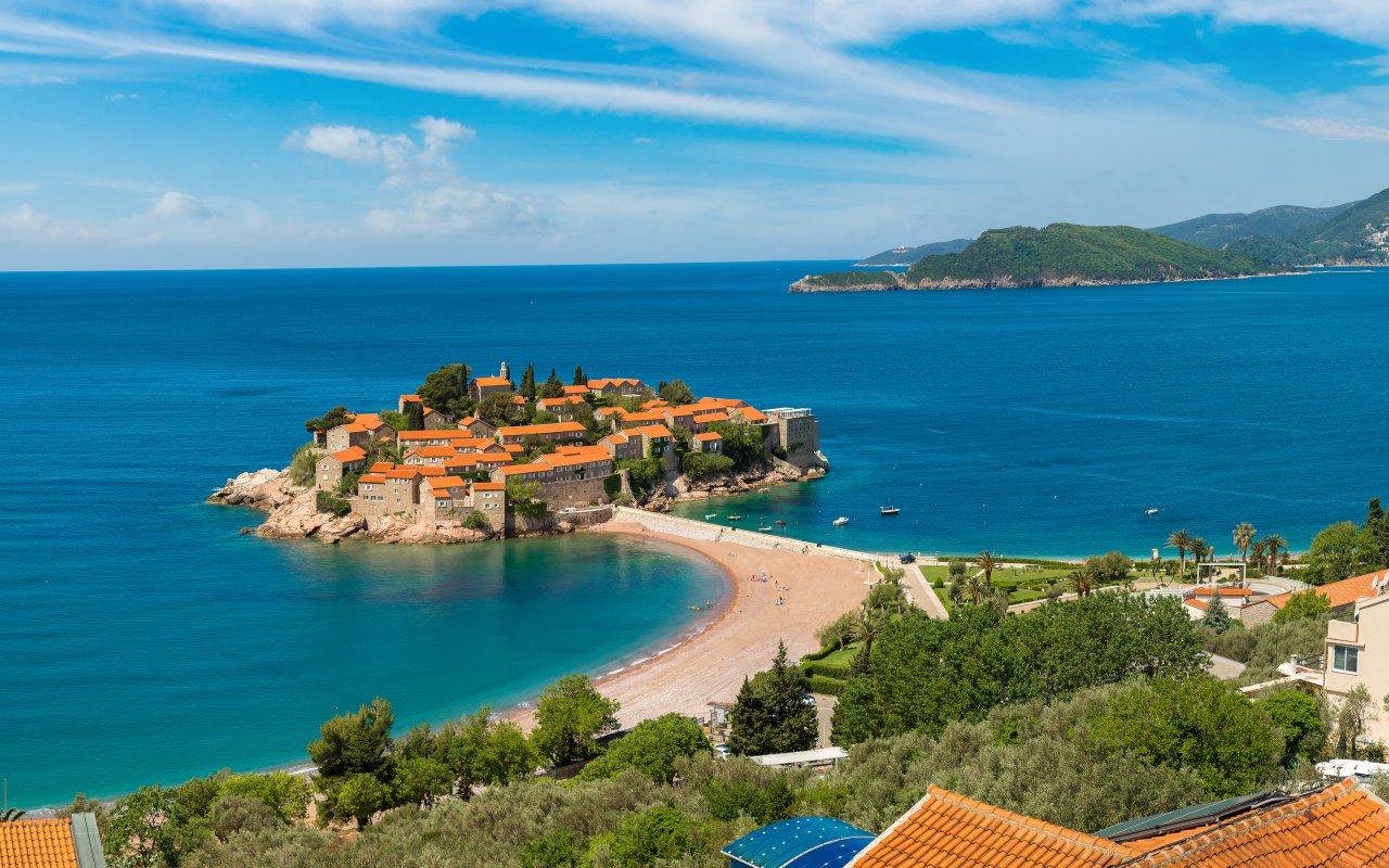 Vue aérienne de Sveti Stefan au Montenegro