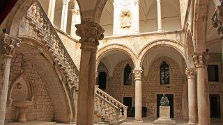 Atrium, Palais du Recteur à Dubrovnik croatie