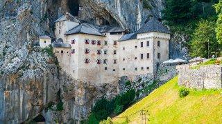 Chateau de predjama - vacances famille sur mesure Slovénie Europe